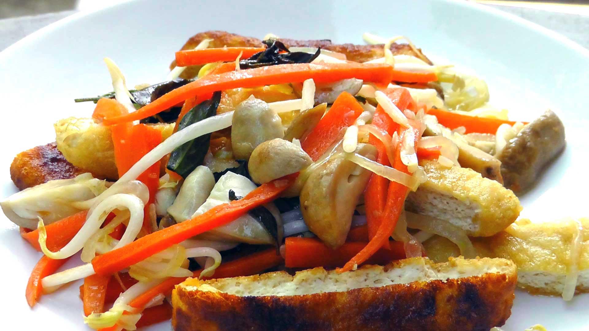 vegan-vegetarisches-vietnamesisches-rezept-tofu-sprossen-pilze-3