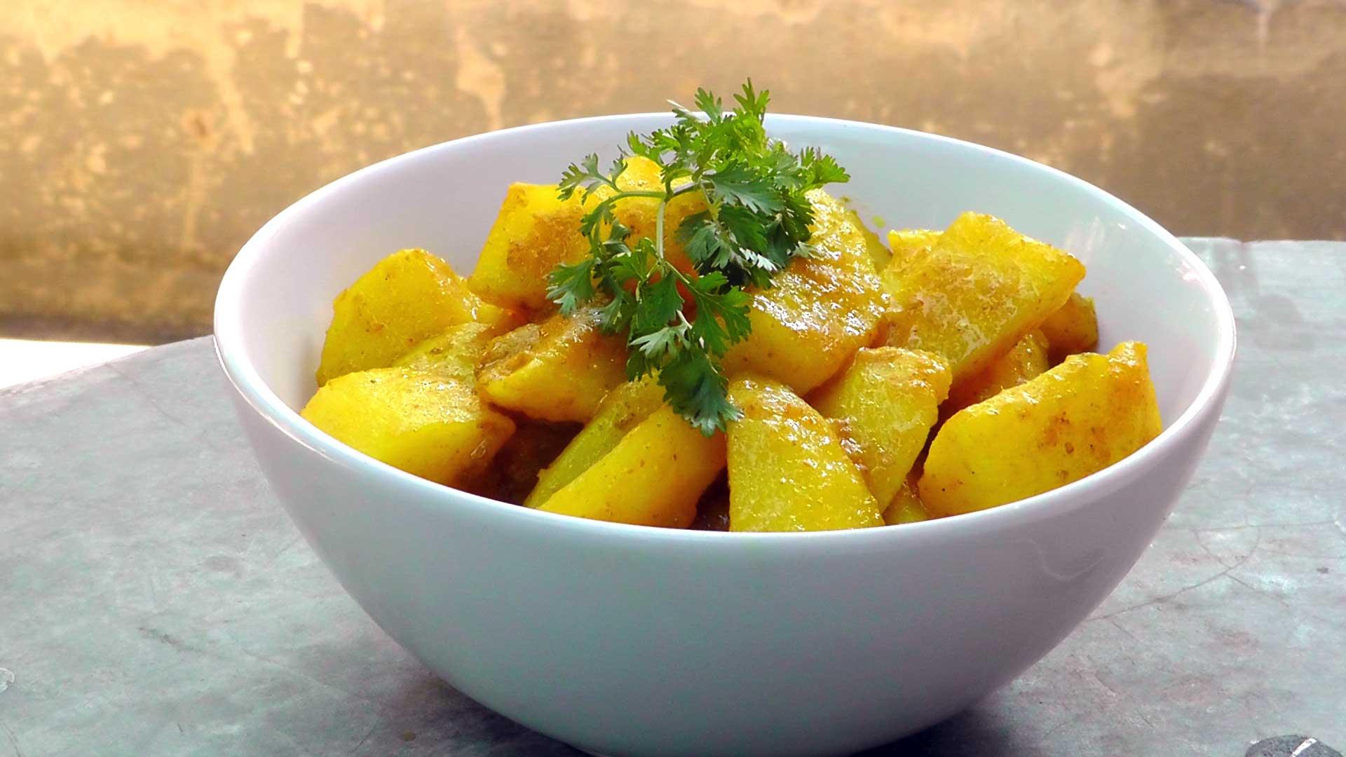 vegan-vegetarisches-burmesisches-rezept-aloo-hin-2