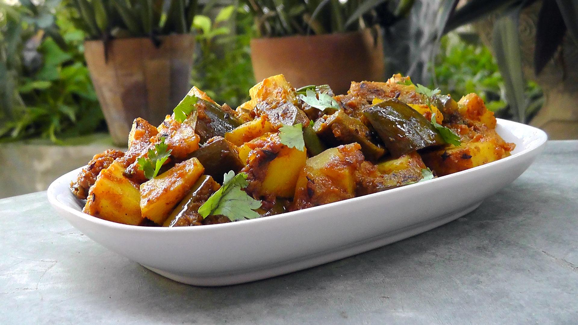 indische-aubergine-kartoffeln-vegetarisches-rezept