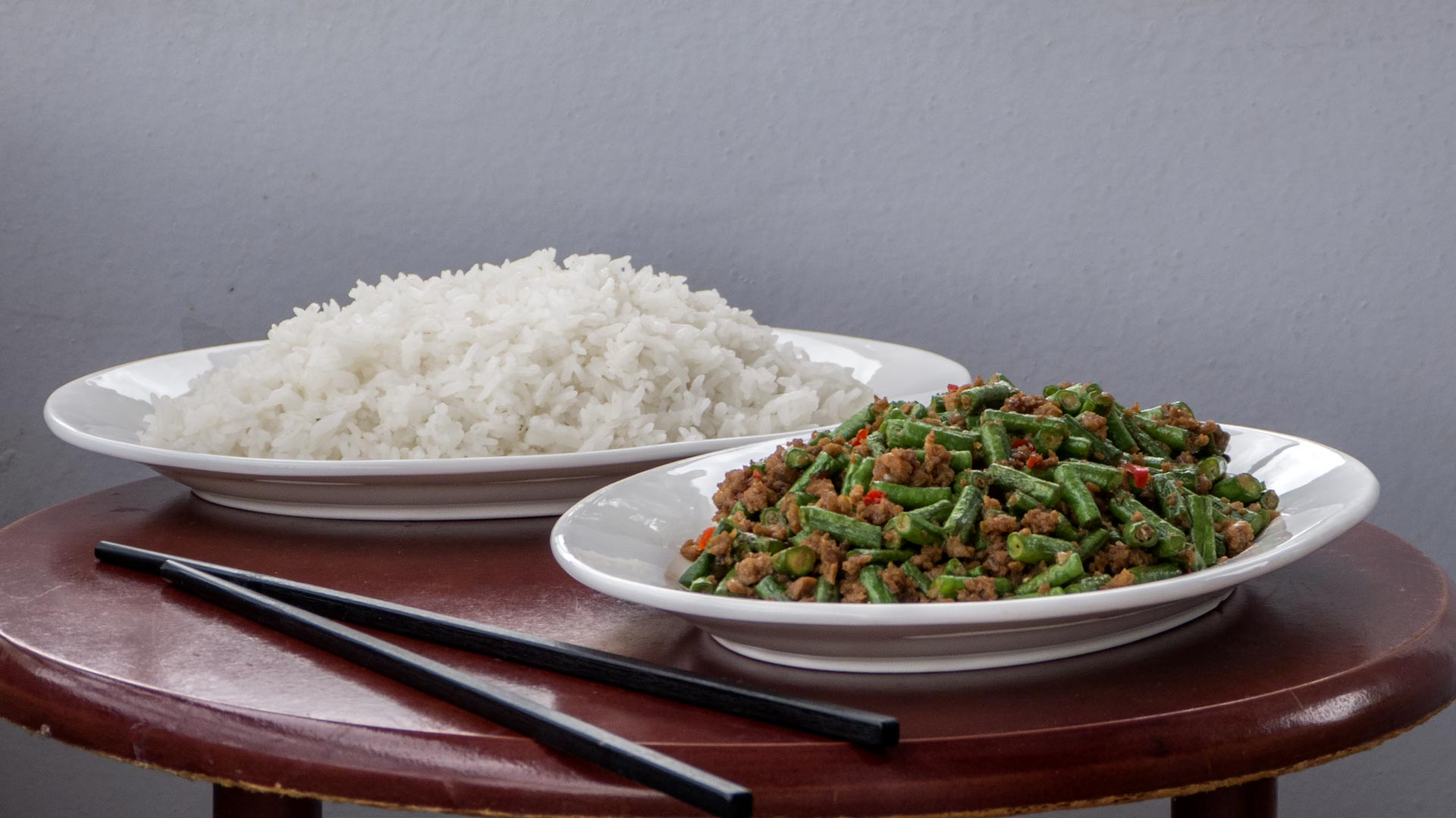 chinesische gebratene gr ne bohnen mit soja hack international vegan. Black Bedroom Furniture Sets. Home Design Ideas